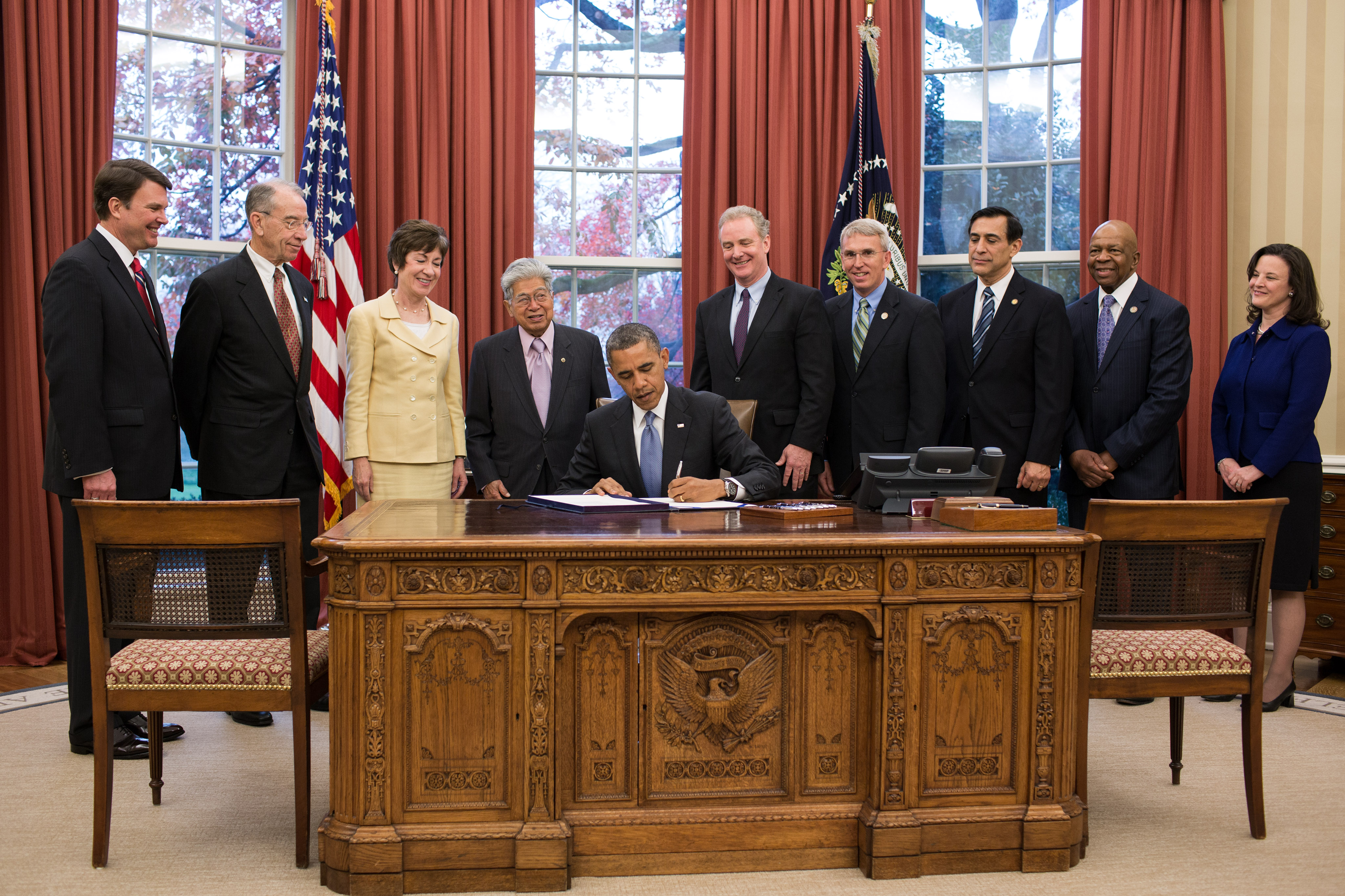 President Obama Signs Senator Akaka's Whistleblower Protection Enhancement Act into Law in Oval Office Ceremony